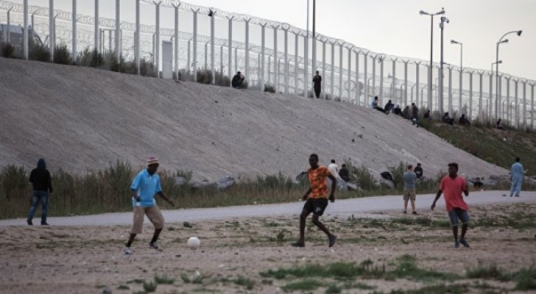 calais people border